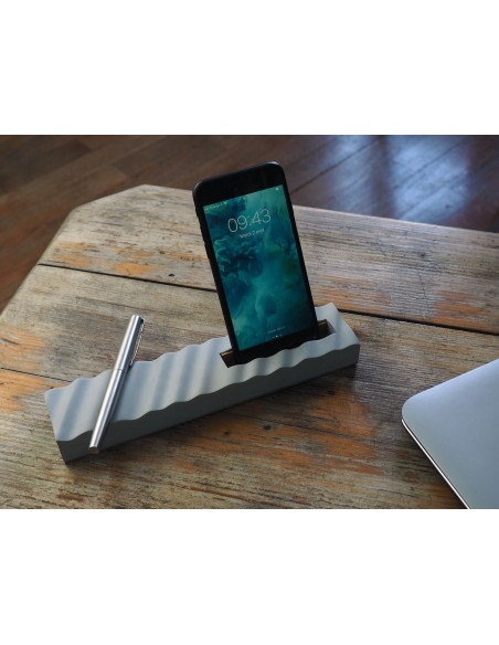 Concrete and cork pencil smartphone holder and pencil holder made in France ONDE Gone's